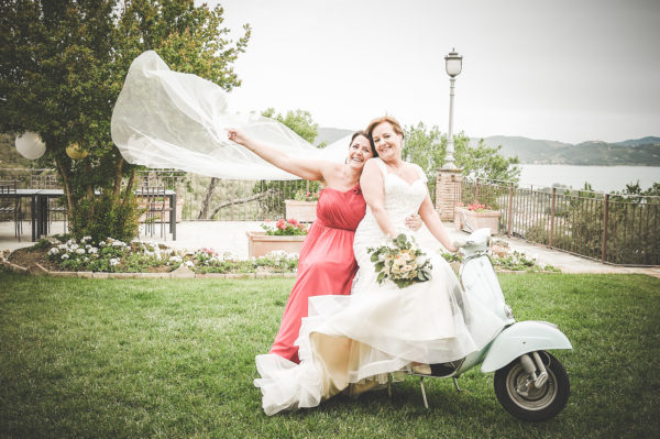 Bride on a motorcicle